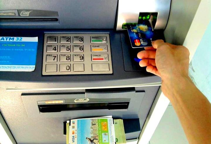 Chuyển tiền khác ngân hàng qua atm