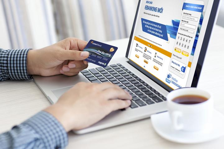 Chuyển tiền qua Internet Banking mất bao lâu?