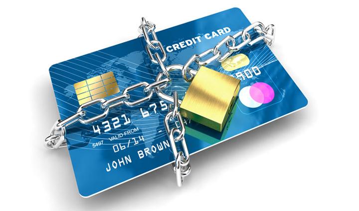 Tài khoản ngân hàng bị khóa có nhận được tiền không